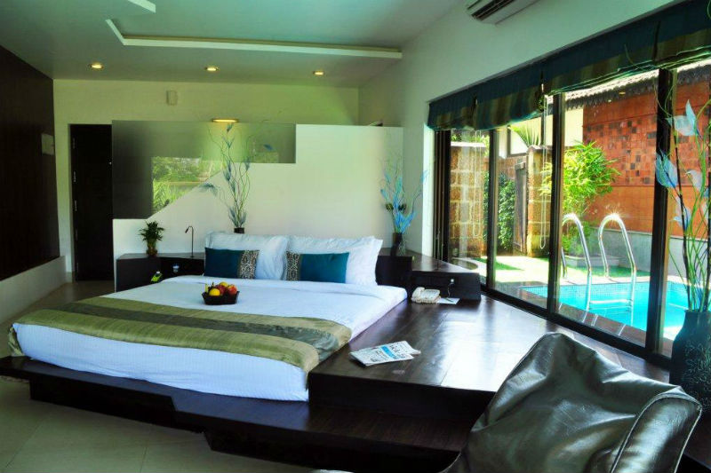 Honeymoon In Tree House Pool Villa Kerala Luxury