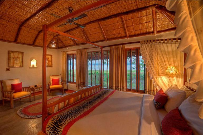 PoolHut_Bedroom