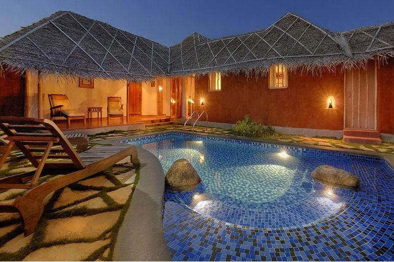 Orange_pool Hut